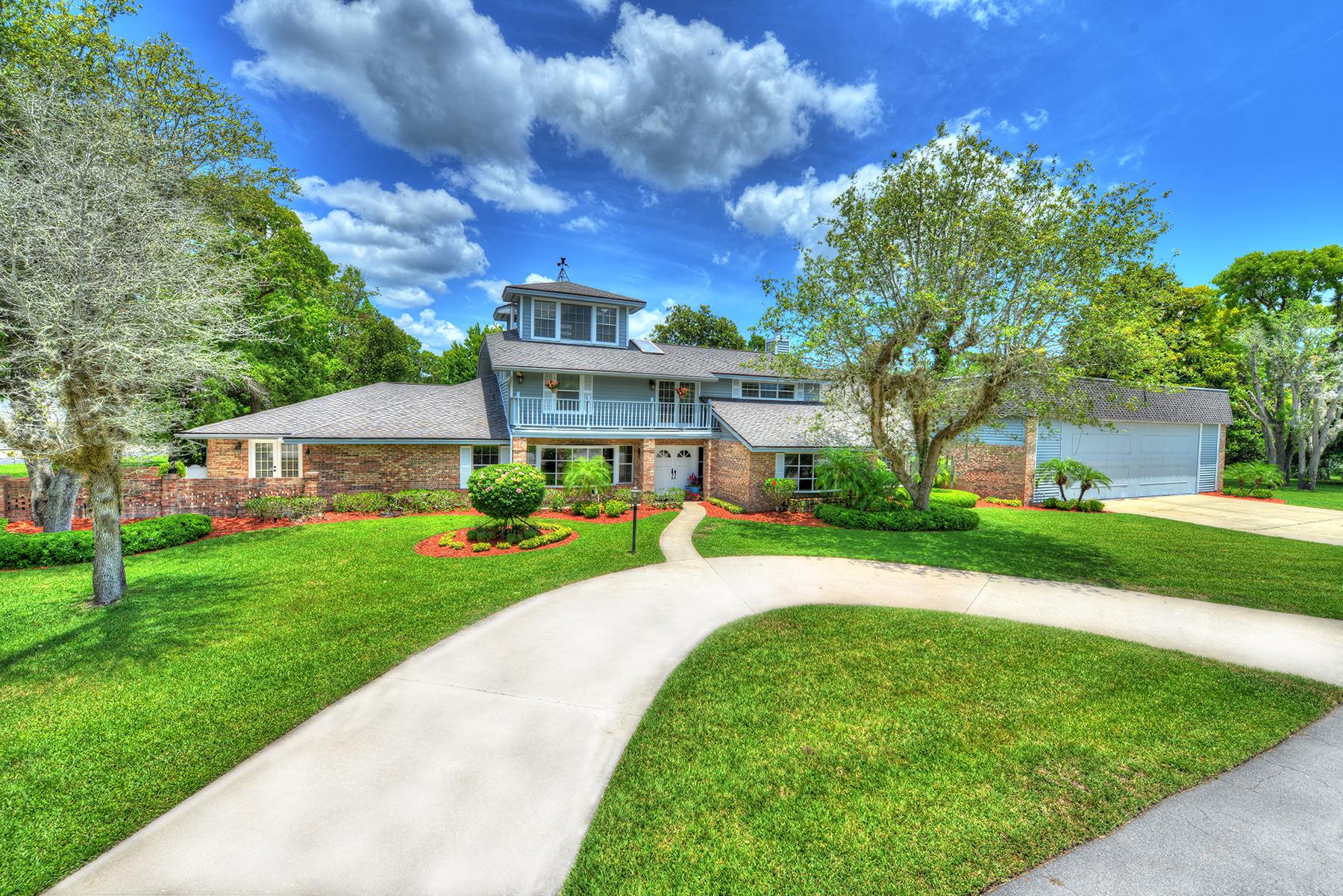 独户住宅 为 销售 在 SPRUCE CREEK AND THE BEACHES 2550/2551 Cross Country Dr 帕特奥兰治, 佛罗里达州, 32128 美国