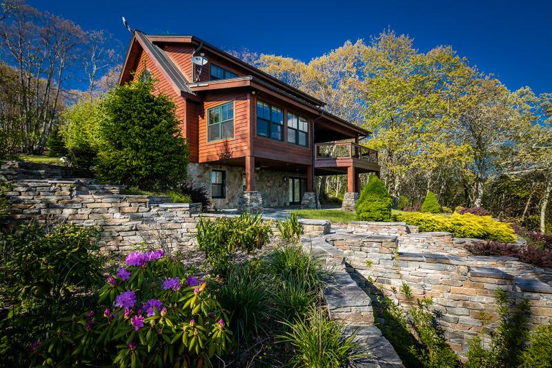 Maison unifamiliale pour l Vente à BANNER ELK - MOUNTAIN MEADOWS 419 Summit Trl Banner Elk, Carolina Du Nord, 28604 États-Unis