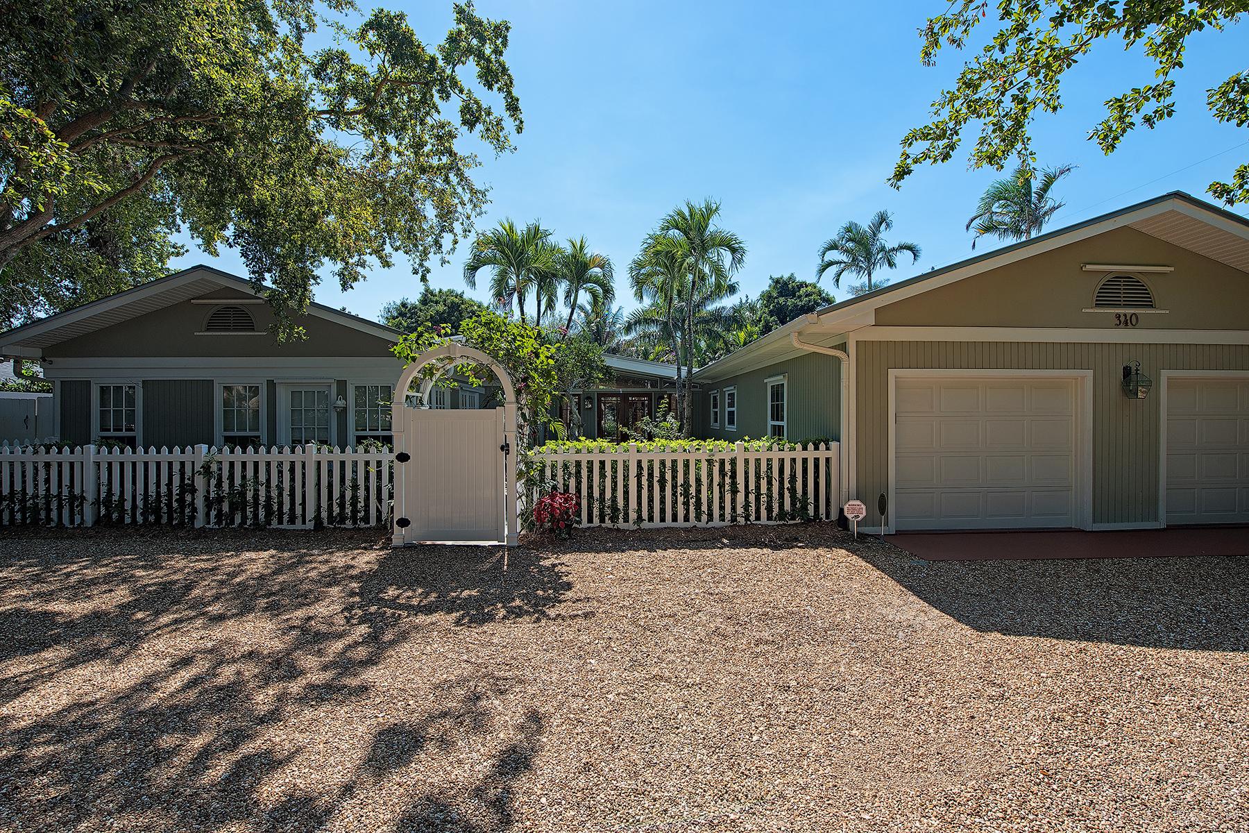 Casa Unifamiliar por un Venta en OLDE NAPLES 340 7th Ave N Naples, Florida, 34102 Estados Unidos
