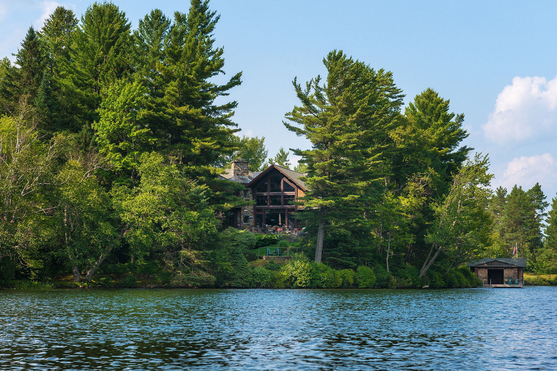 Additional photo for property listing at Most Magnificent Home Available in Lake Placid 134  Mirror Lake Dr Lake Placid, Нью-Йорк 12946 Соединенные Штаты