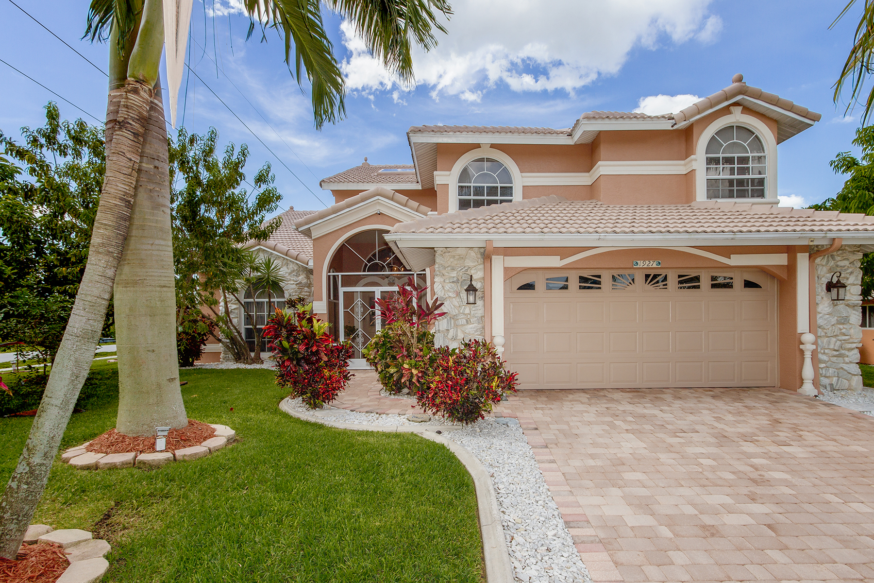 Single Family Home for Sale at CAPE CORAL 1927 SW 31st Cape Coral, Florida 33914 United States