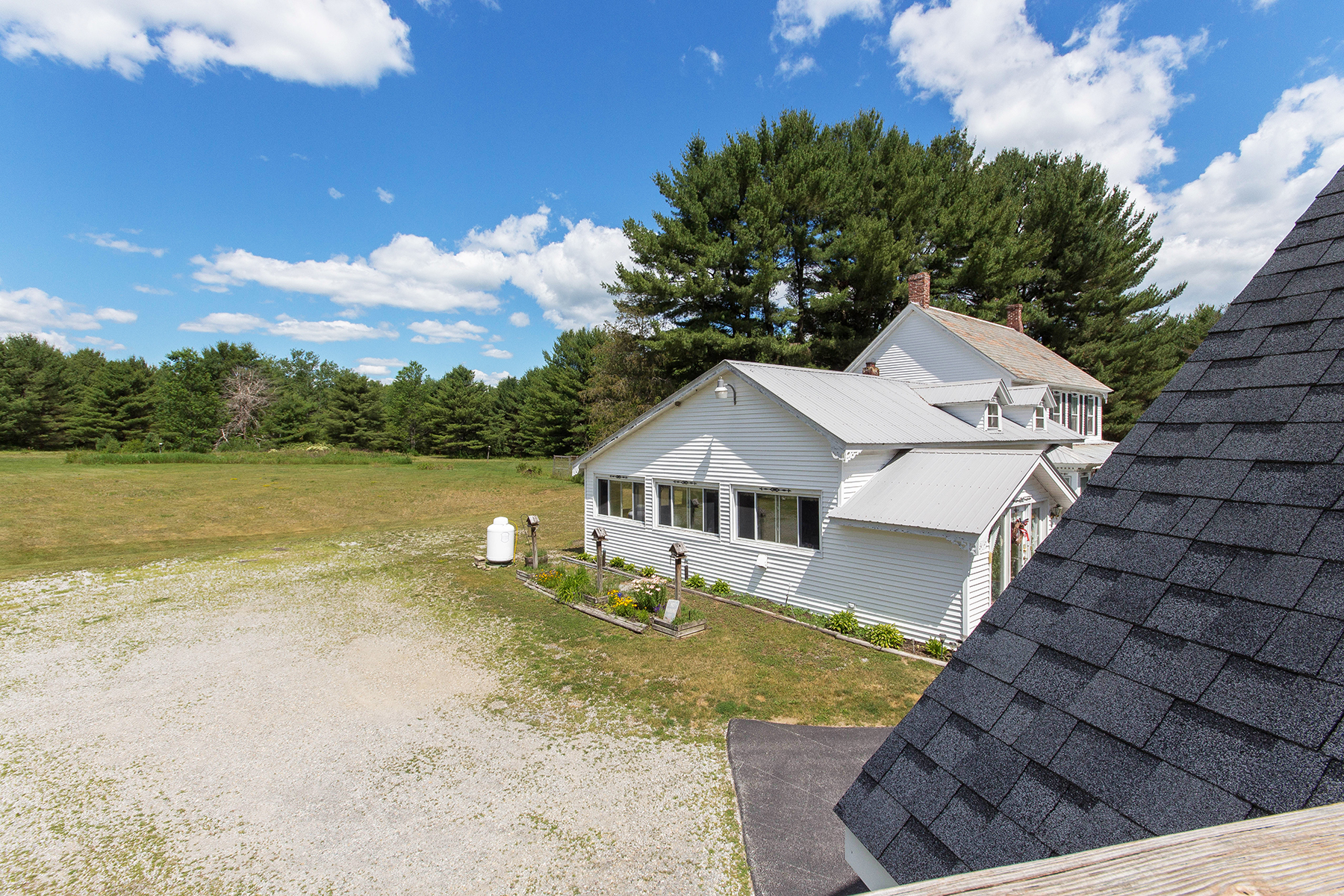 Additional photo for property listing at Butterfly Inn 69  Route 28 Warrensburg, New York 12885 États-Unis