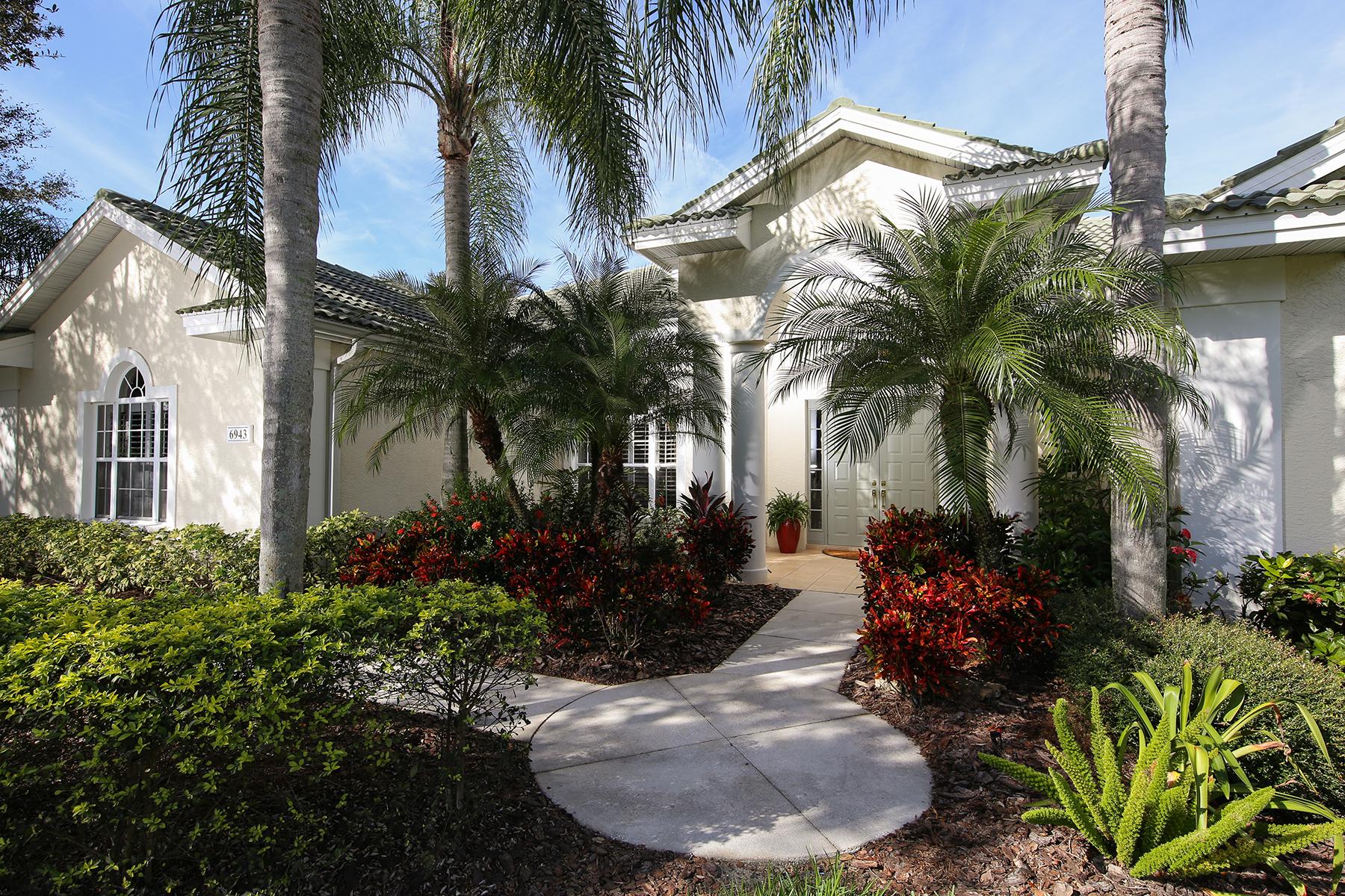 Vivienda unifamiliar por un Venta en UNIVERSITY PARK COUNTRY CLUB 6943 Cumberland Terr University Park, Florida, 34201 Estados Unidos