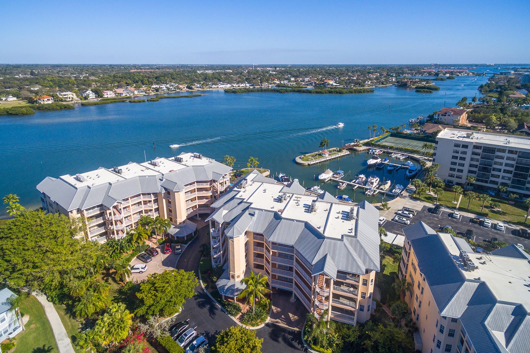 共管式独立产权公寓 为 销售 在 SIESTA KEY 1240 Dolphin Bay Way 201 萨拉索塔, 佛罗里达州, 34242 美国