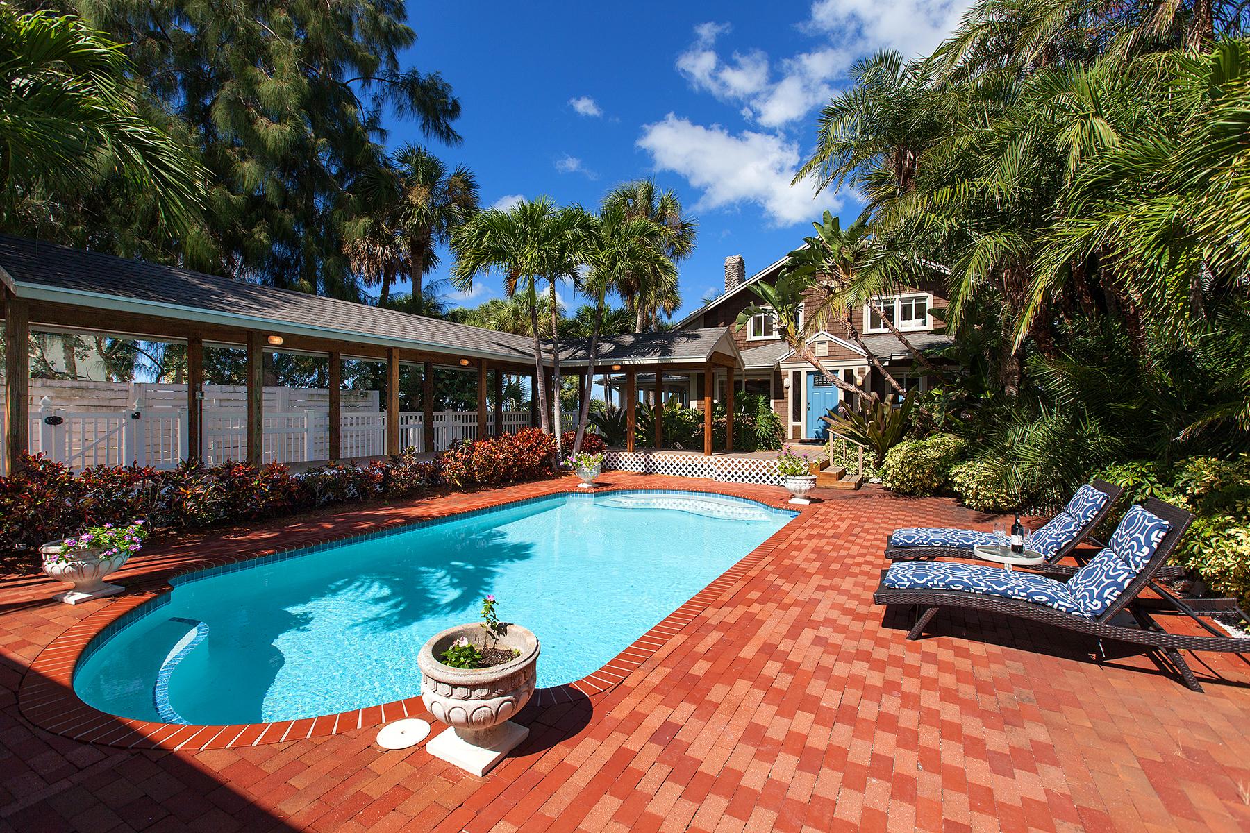 Casa Unifamiliar por un Venta en SIESTA KEY 4632 Ocean Blvd Sarasota, Florida, 34242 Estados Unidos