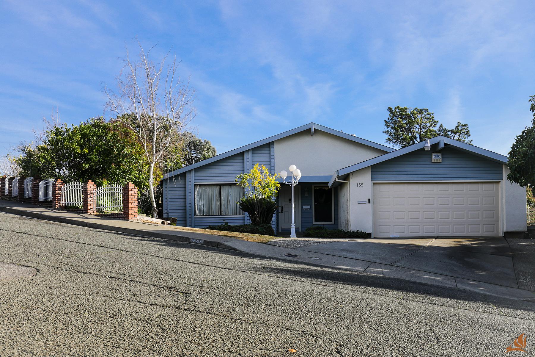 独户住宅 为 销售 在 159 Farallon Dr, Vallejo, CA 94590 159 Farallon Dr Vallejo, 加利福尼亚州 94590 美国