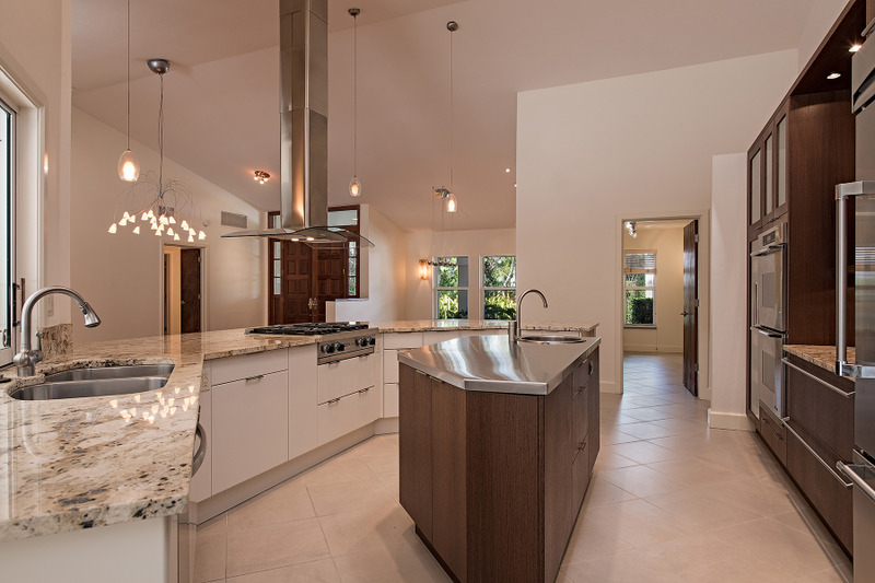 Additional photo for property listing at PELICAN BAY - OAKMONT 720  Shadow Lake Ln,  Naples, Florida 34108 United States