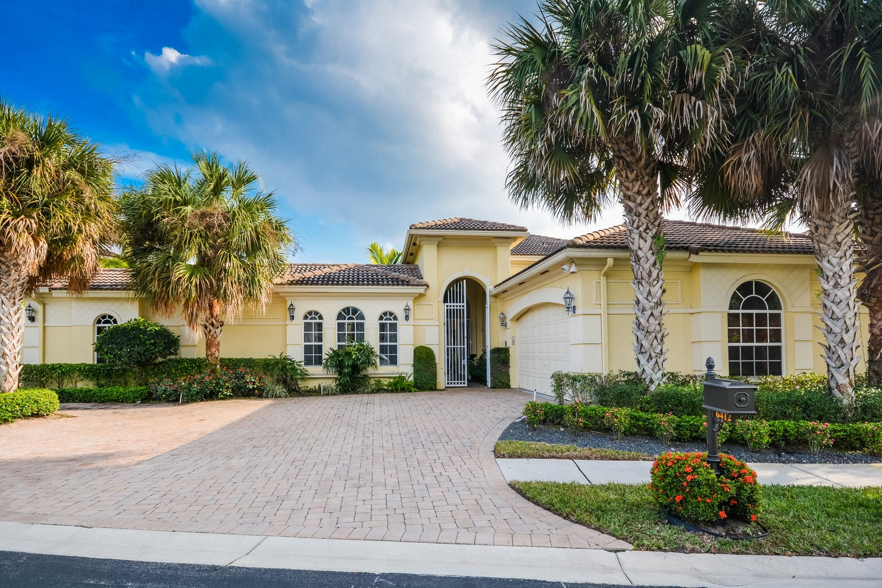 Single Family Home for Sale at 6412 Polo Pointe Way , Delray Beach, FL 33484 6412 Polo Pointe Way Delray Beach, Florida, 33484 United States