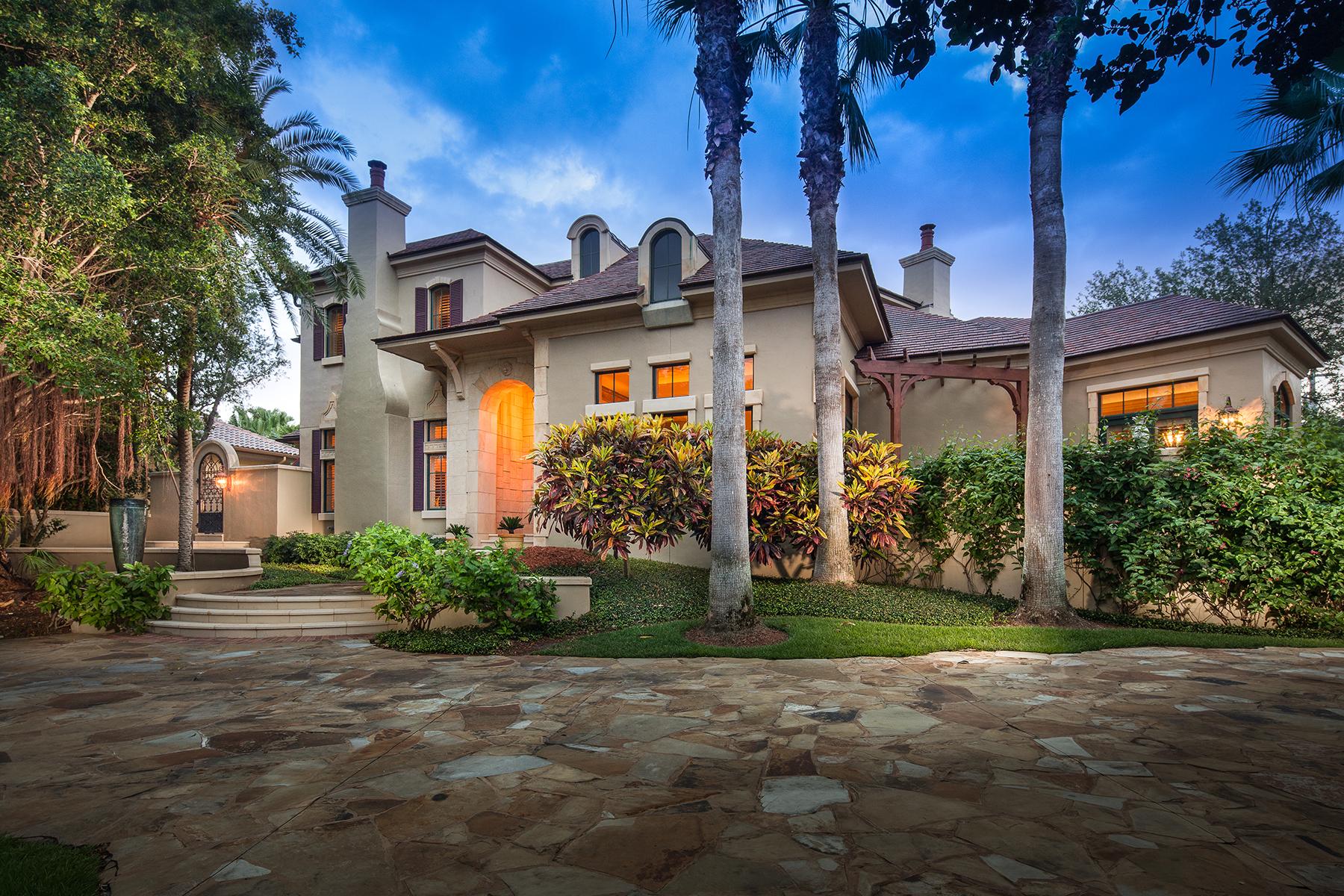 Maison unifamiliale pour l Vente à 3200 Gordon Dr , Naples, FL 34102 3200 Gordon Dr Naples, Florida, 34102 États-Unis