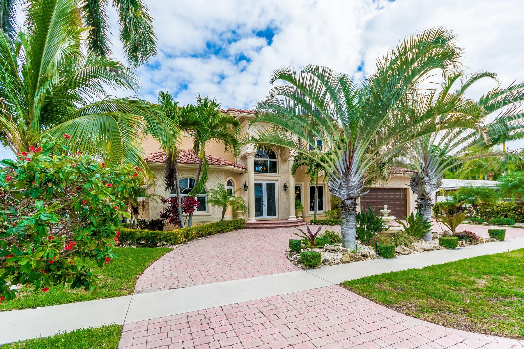 Casa Unifamiliar por un Venta en 4850 NE 29 Ave , Lighthouse Point, FL 33064 Lighthouse Point, Florida, 33064 Estados Unidos
