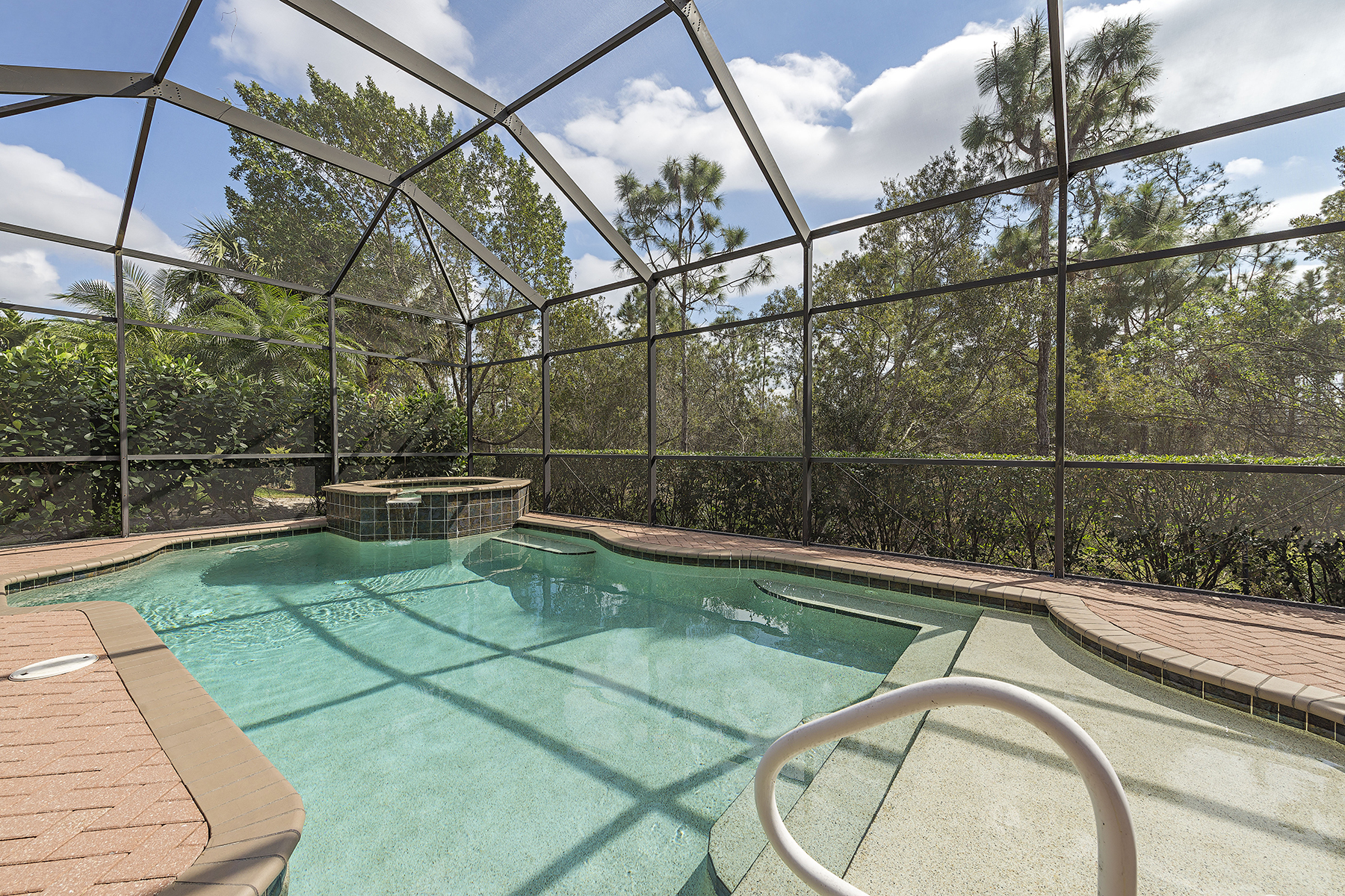 Single Family Home for Sale at Naples 14660 Beaufort Cir Naples, Florida, 34119 United States