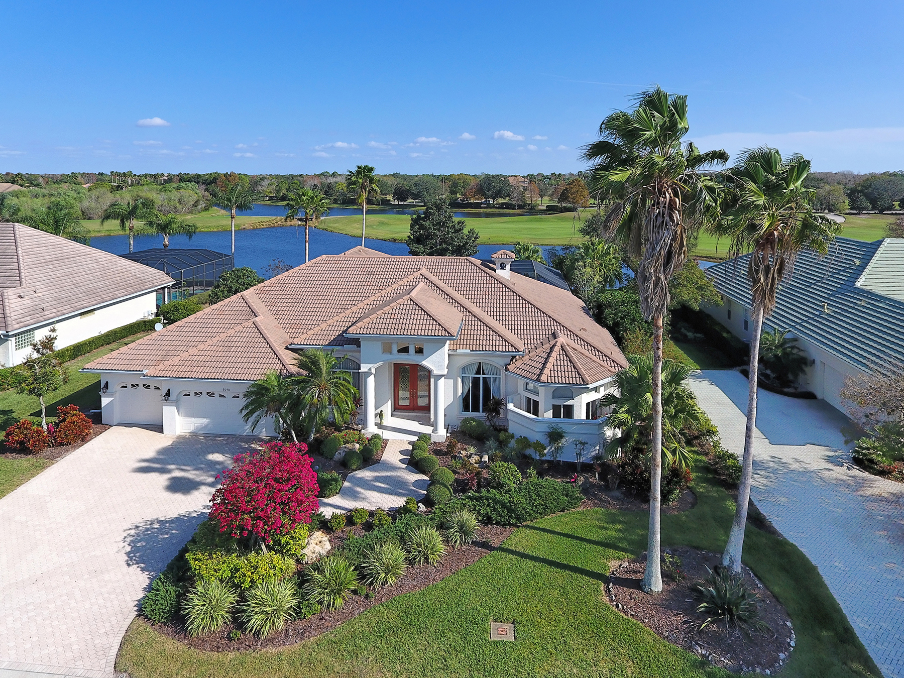 Single Family Home for Sale at LAKEWOOD RANCH COUNTRY CLUB 8040 Royal Birkdale Cir Lakewood Ranch, Florida, 34202 United States