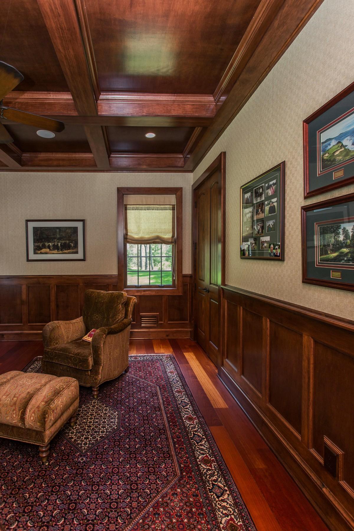Additional photo for property listing at Slingerlands Estate 47  Talon Dr Slingerlands, Nueva York 12159 Estados Unidos