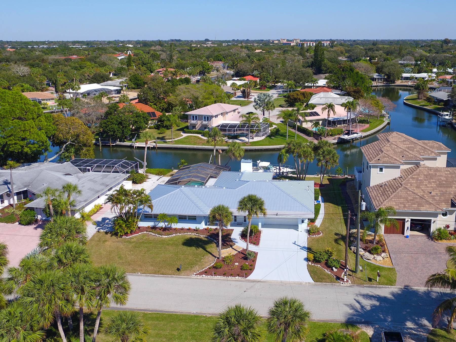 Single Family Home for Sale at SIESTA ISLES 5439 Azure Way Sarasota, Florida, 34242 United States