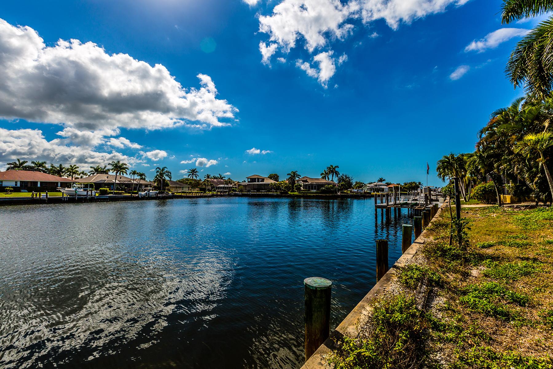 土地 为 销售 在 MARCO ISLAND - GULFPORT COURT 189 Gulfport Ct 马可岛, 佛罗里达州, 34145 美国