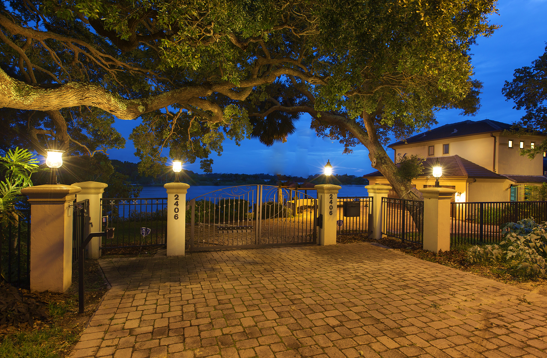 Single Family Home for Sale at ORMOND BEACH FLORIDA 2406 John Anderson Dr, Ormond Beach, Florida 32176 United States