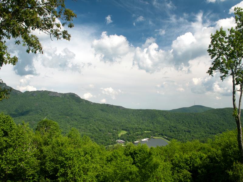 Terrain pour l Vente à LINVILLE RIDGE - SPLIT ROCK ESTATES 1728 Forest Ridge Dr 17 Linville, Carolina Du Nord, 28646 États-Unis
