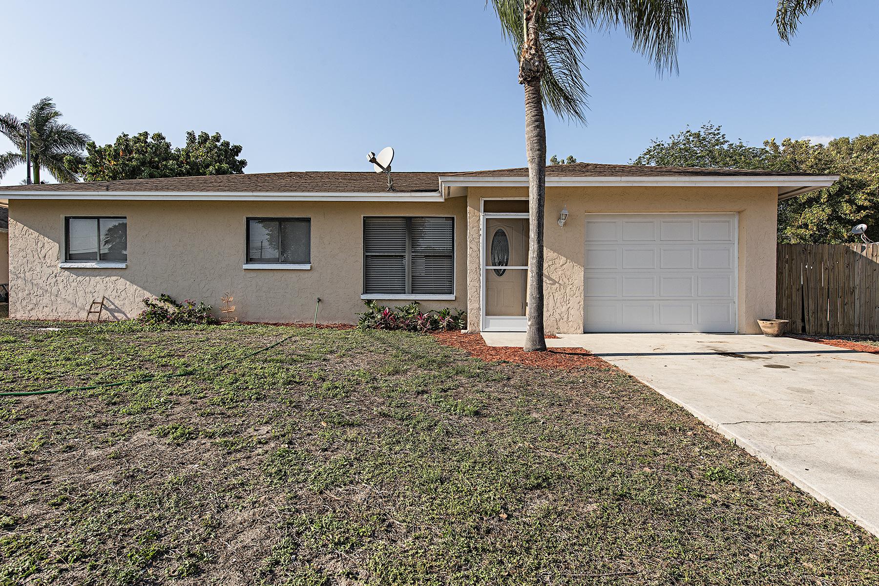 Vivienda unifamiliar por un Venta en Naples 4713 31st Ave SW Naples, Florida, 34116 Estados Unidos