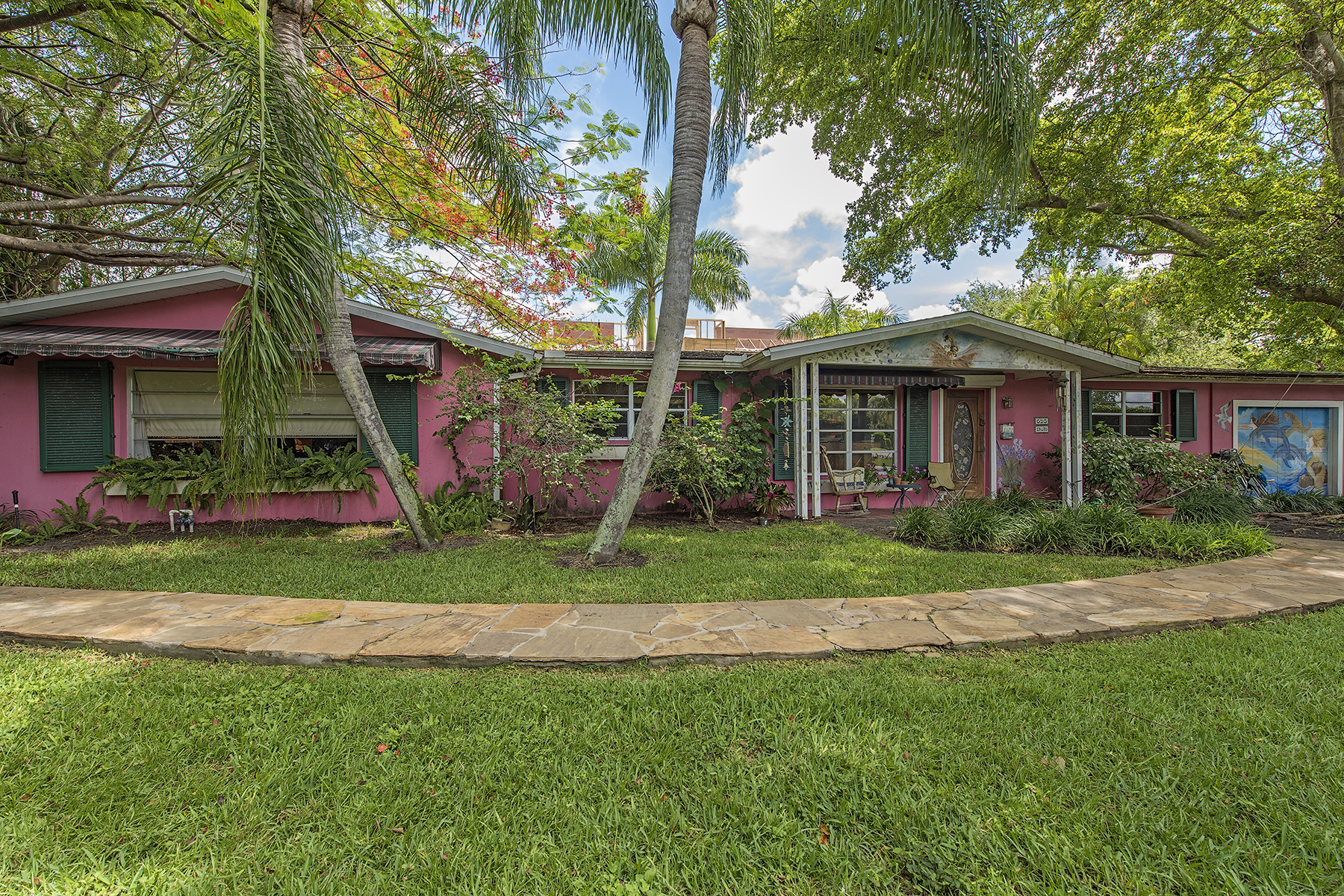 Single Family Home for Sale at OLDE NAPLES 695 Broad Ave S, Naples, Florida 34102 United States