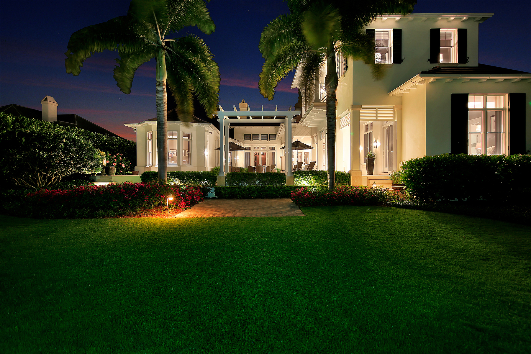 واحد منزل الأسرة للـ Sale في PORT ROYAL 1203 Spyglass Ln Naples, Florida 34102 United States