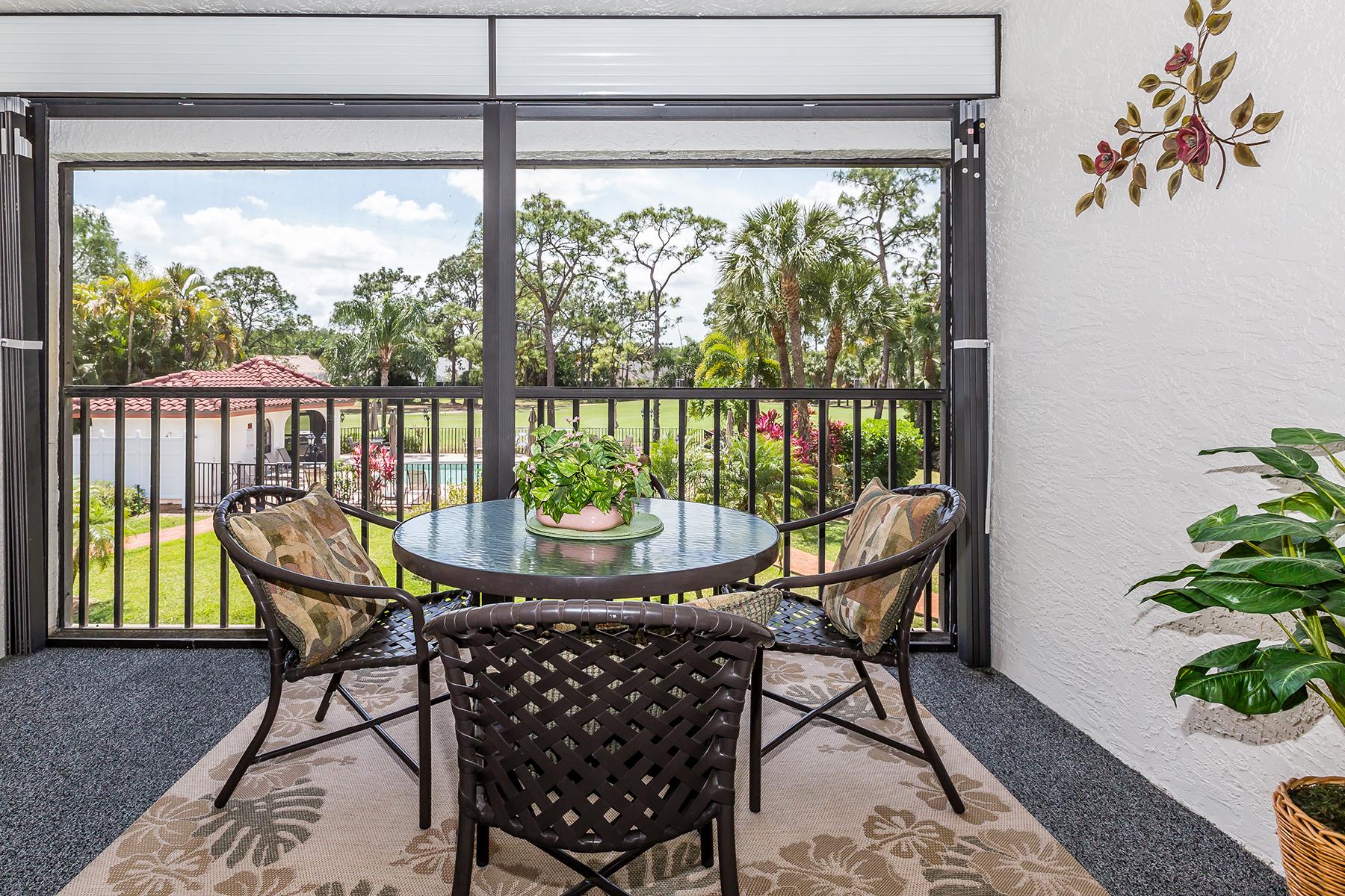 Condomínio para Venda às GLEN EAGLE 212 Deerwood Cir 6-7 Naples, Florida, 34113 Estados Unidos