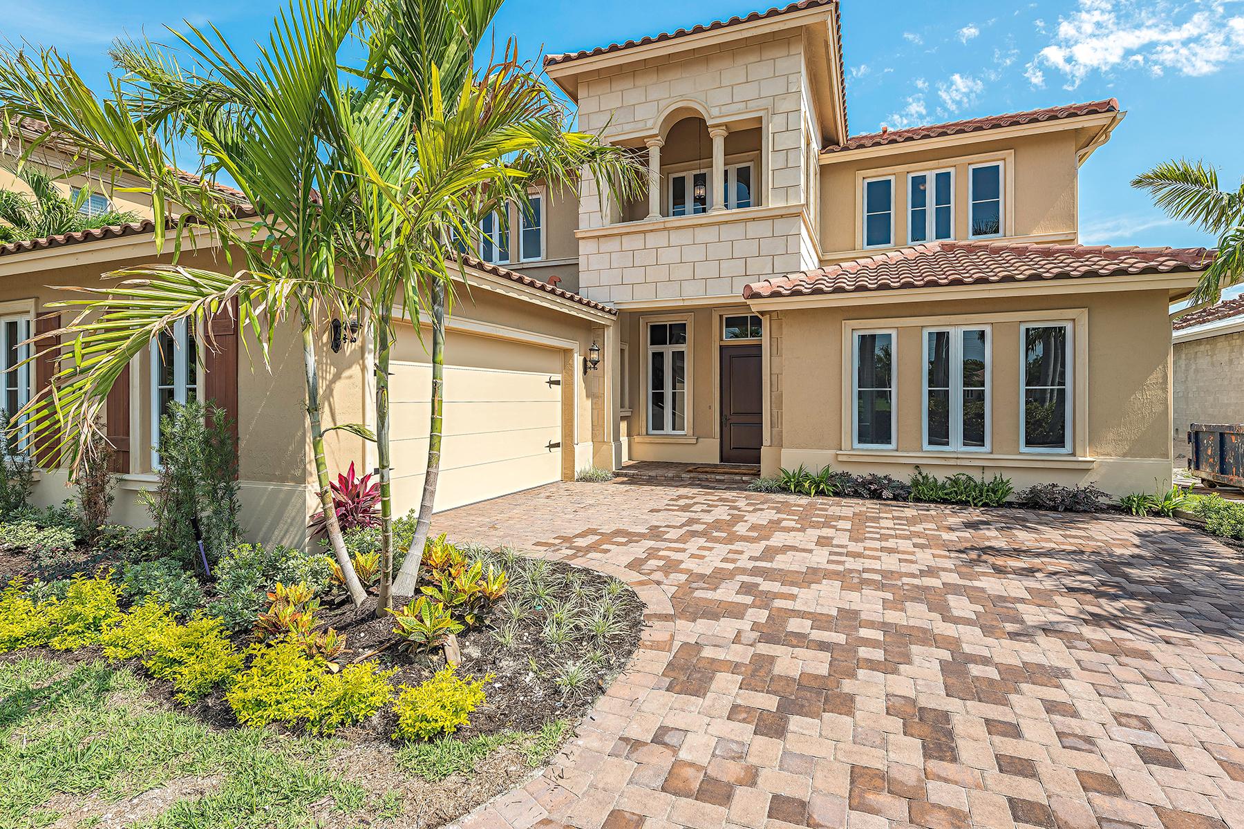 Частный односемейный дом для того Продажа на Naples 2165 Asti Ct Naples, Флорида, 34105 Соединенные Штаты