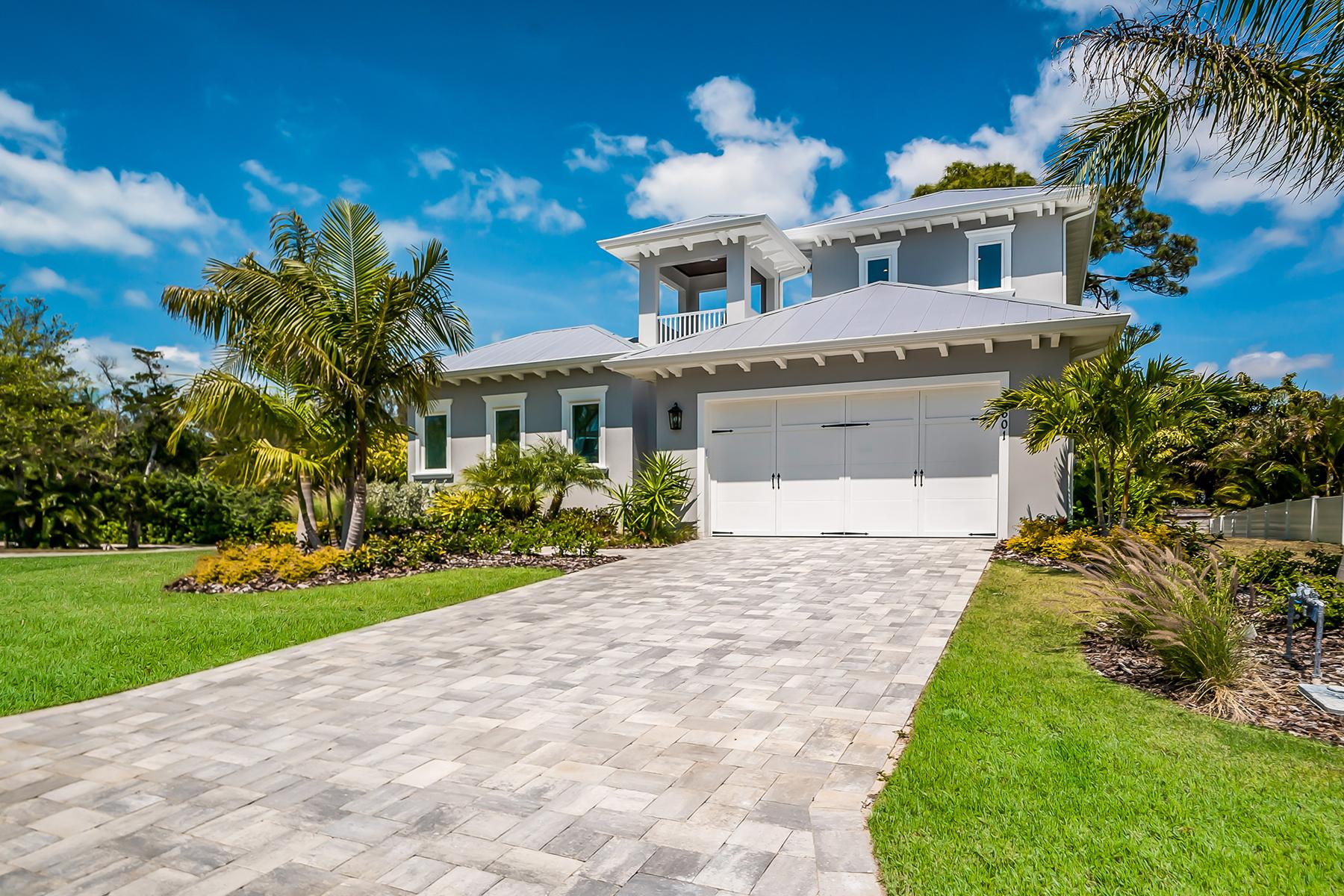 Single Family Home for Sale at LONGBOAT KEY 601 Triton, Longboat Key, Florida 34228 United States