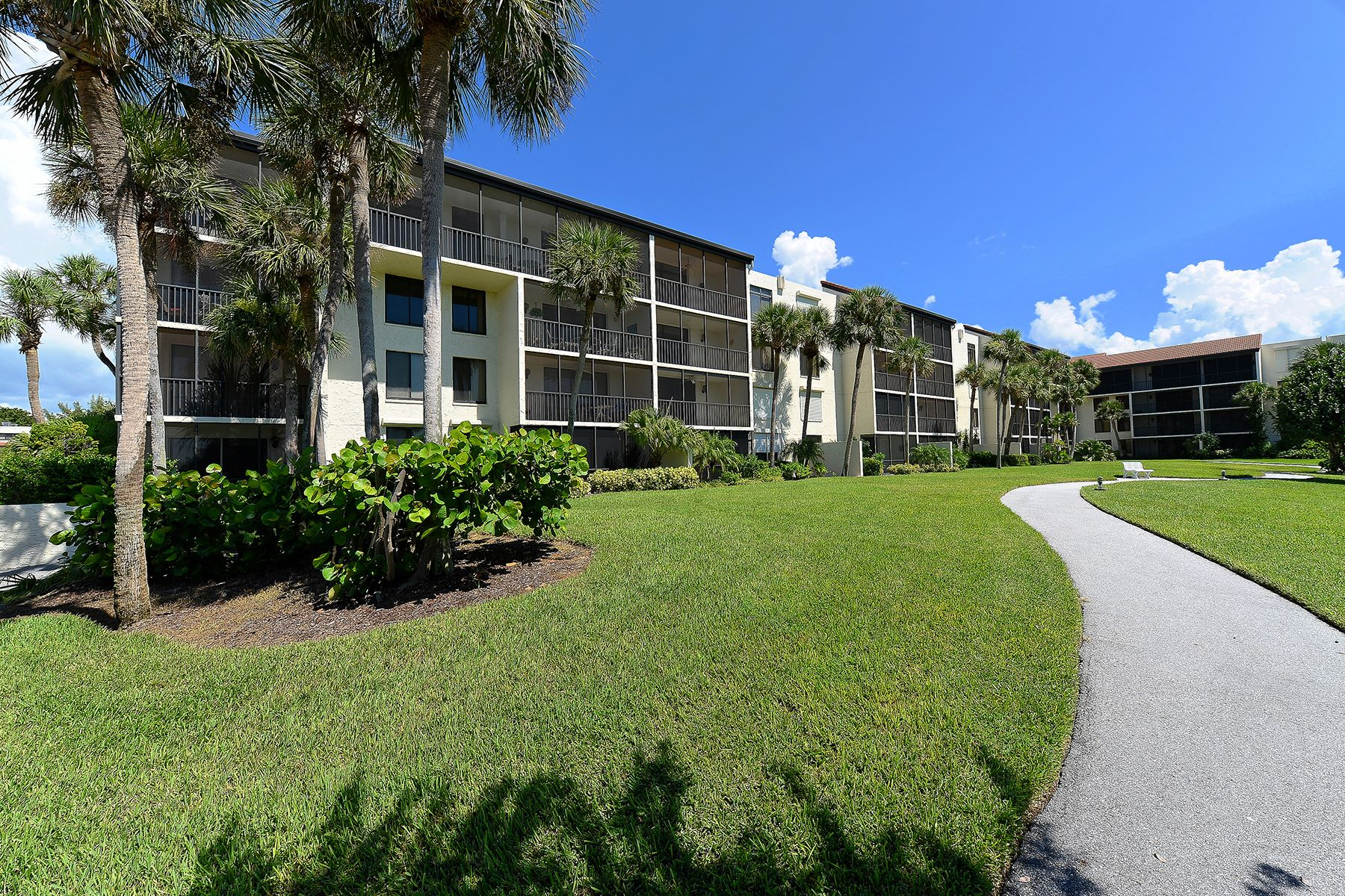 Condominium for Sale at SEAPLACE 1975 Gulf Of Mexico Dr G4-404 Longboat Key, Florida, 34228 United States