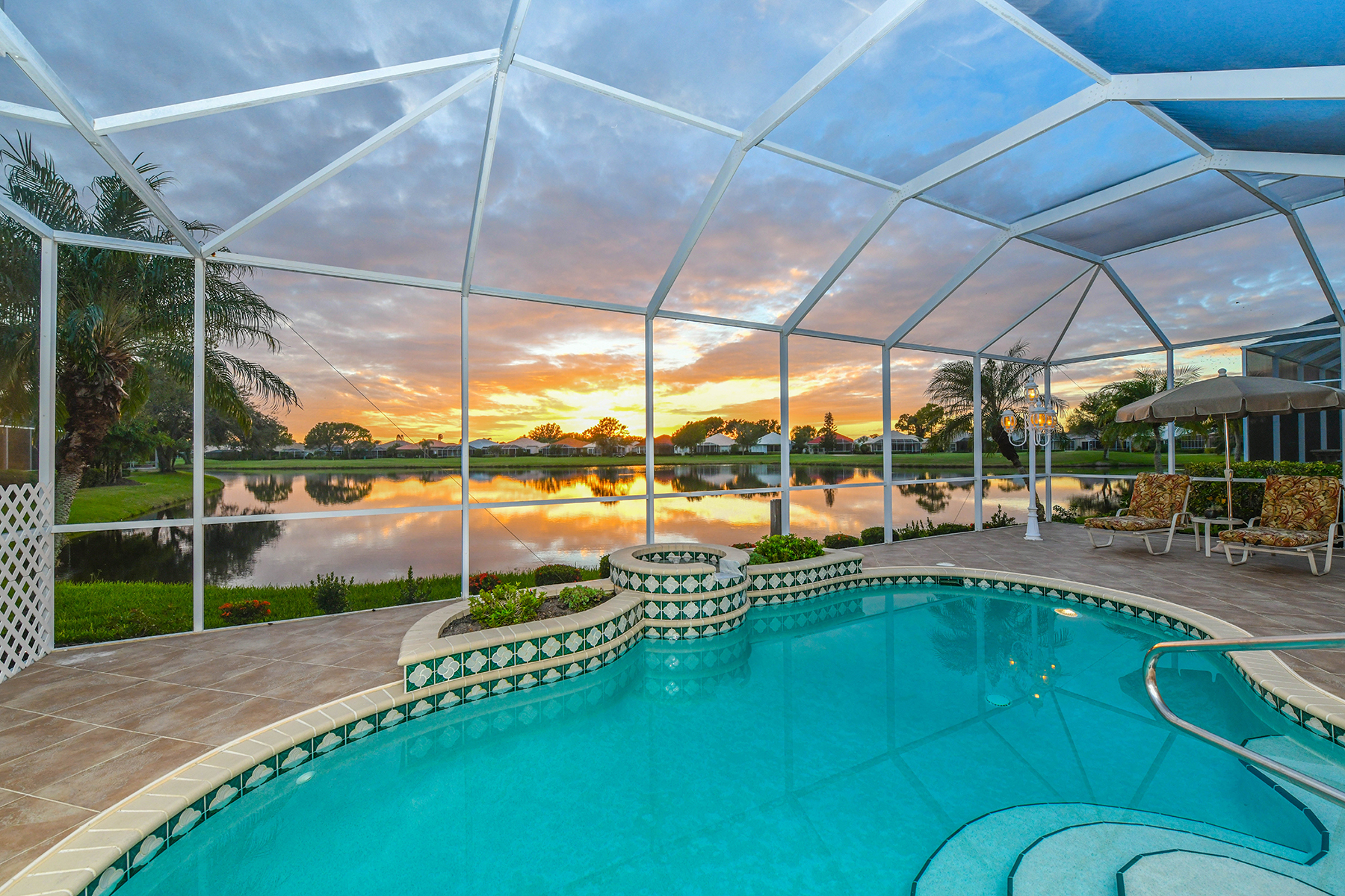 Частный односемейный дом для того Продажа на SAWGRASS 709 Sawgrass Bridge Rd, Venice, Флорида, 34292 Соединенные Штаты