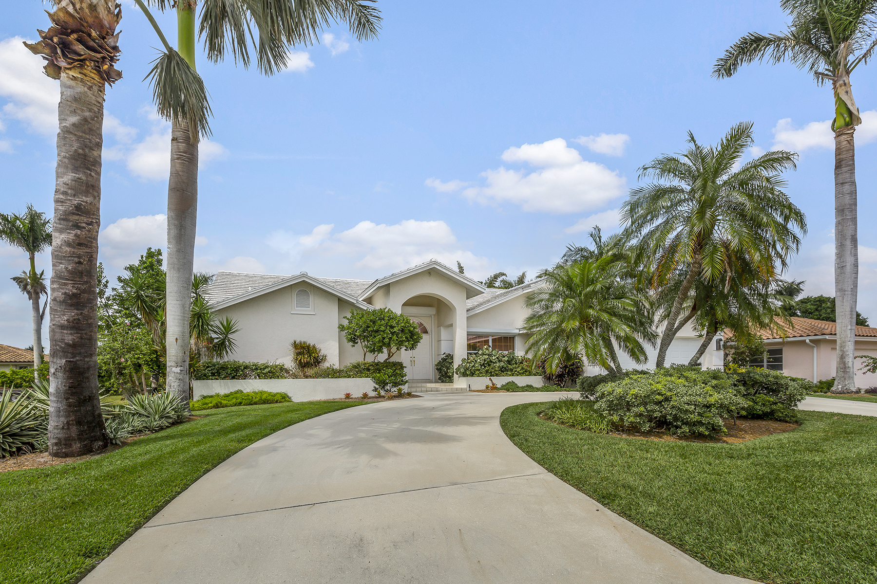 Single Family Home for Sale at 505 Pine Grove Ln , Naples, FL 34103 505 Pine Grove Ln, Naples, Florida 34103 United States