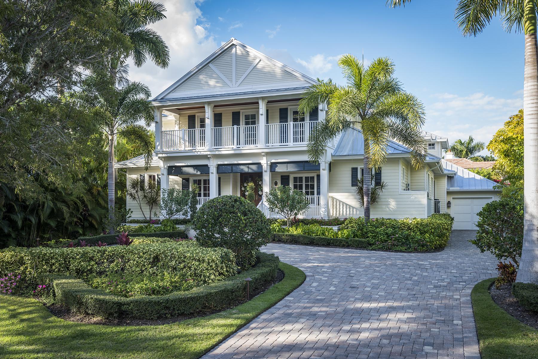 独户住宅 为 销售 在 OLDE NAPLES 205 3rd Ave N 那不勒斯, 佛罗里达州, 34102 美国