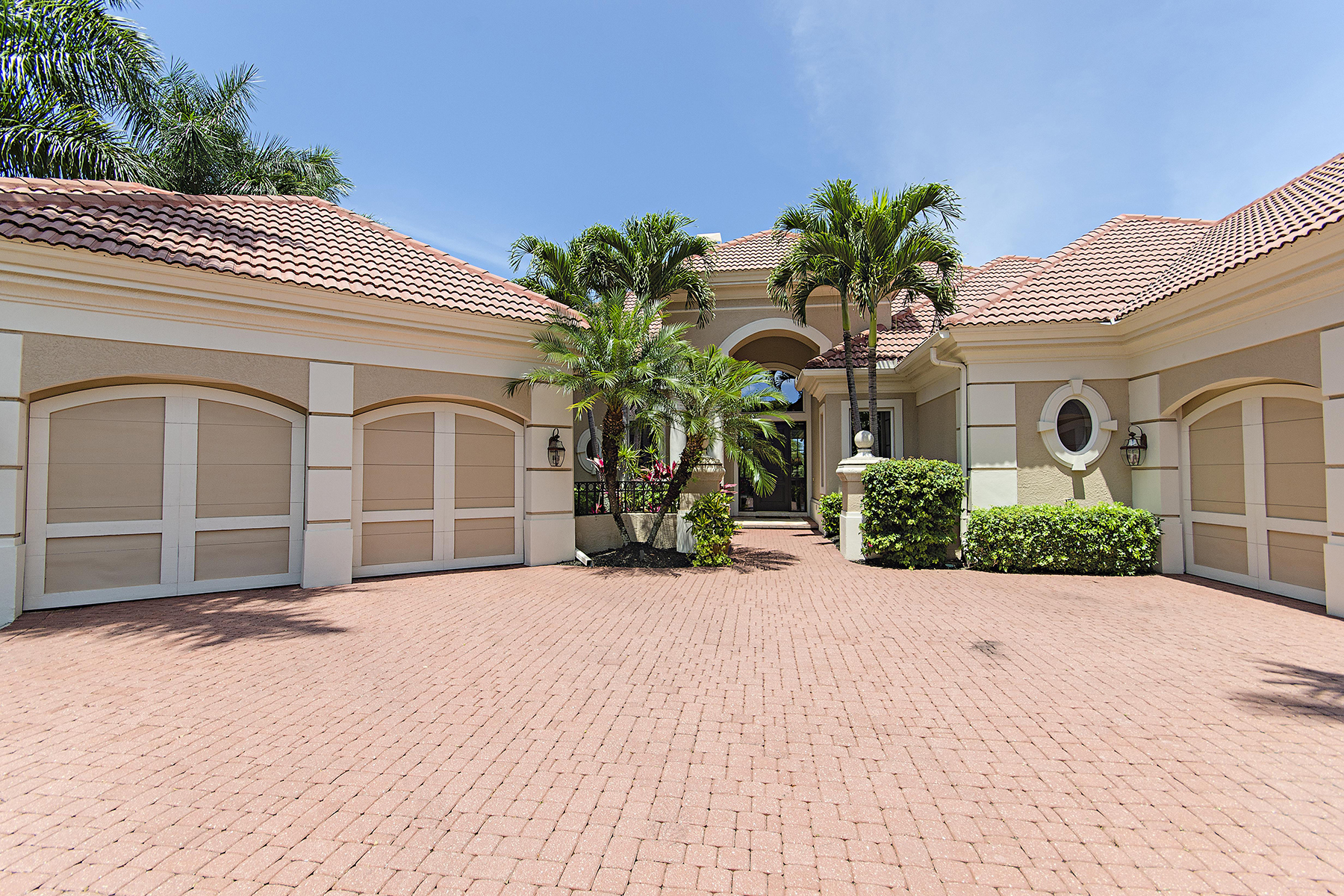 Single Family Home for Rent at BONITA BAY - ROOKERY LAKE 4060 Arrowwood Ct, Bonita Springs, Florida 34134 United States