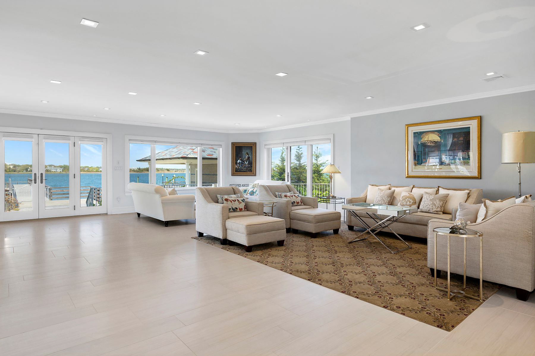 Частный односемейный дом для того Продажа на 1690 Bay Blvd 1690 Bay Blvd, Atlantic Beach, Нью-Йорк, 11509 Соединенные Штаты