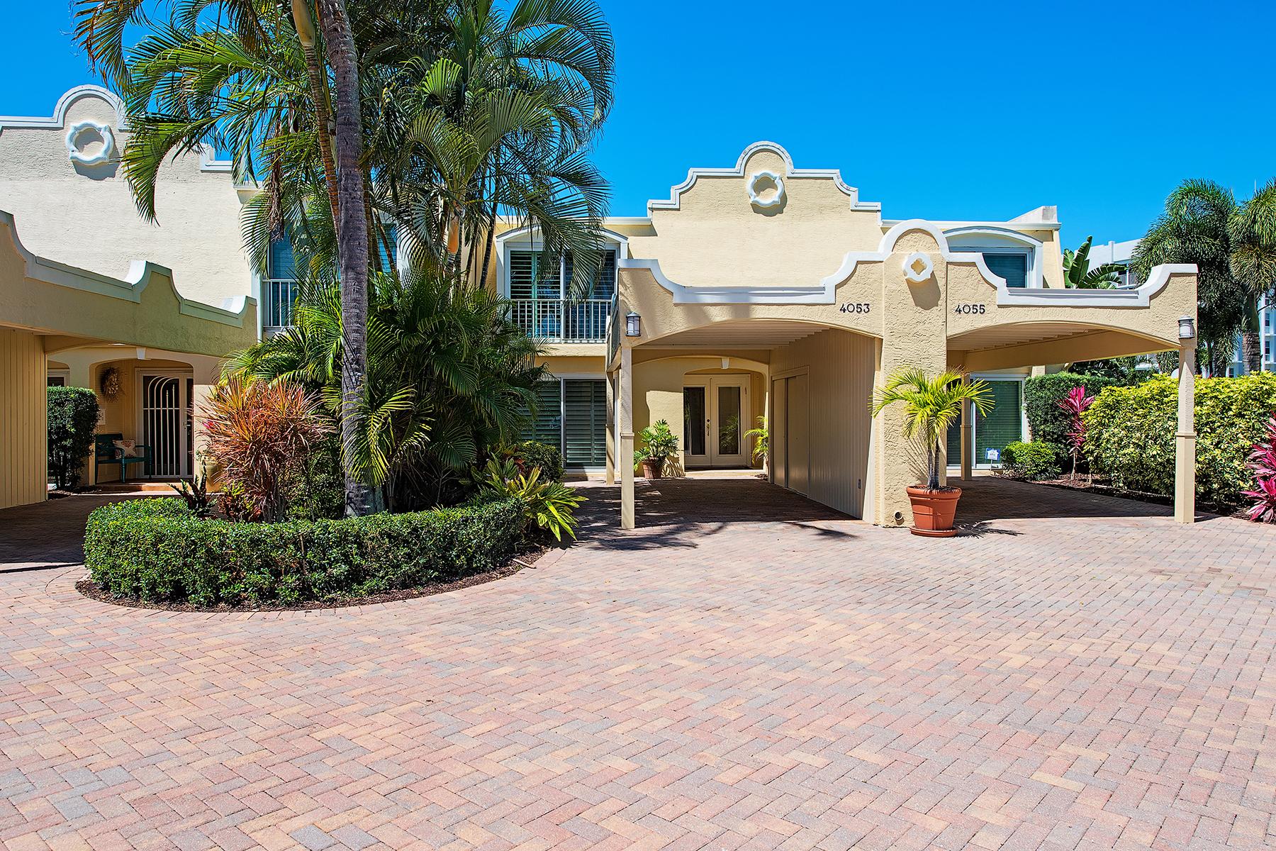 Таунхаус для того Продажа на PARK SHORE - COLONY GARDENS 4053 Crayton Rd 4O53 Naples, Флорида, 34103 Соединенные Штаты
