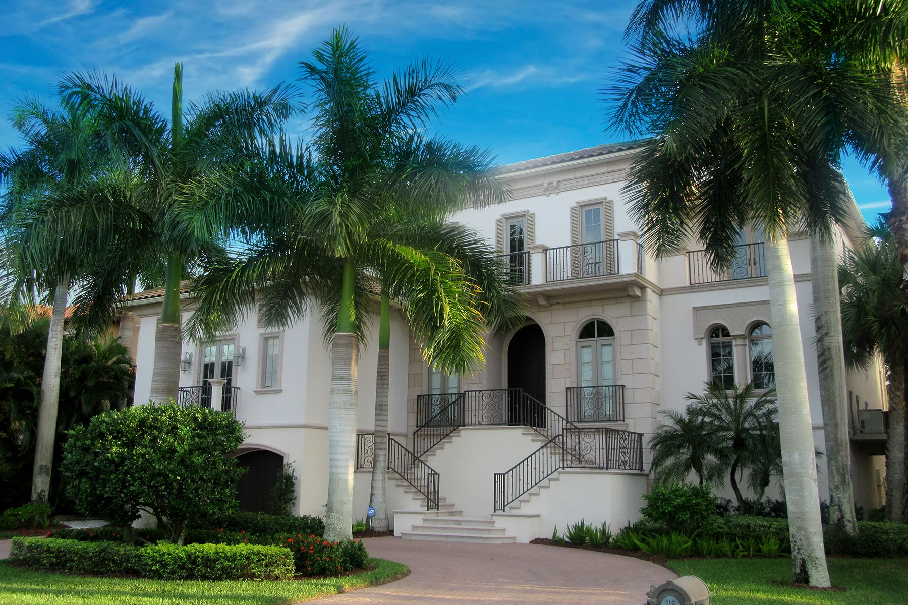 Single Family Home for Sale at VANDERBILT BEACH - CONNERS 172 Seabreeze Ave Naples, Florida, 34108 United States
