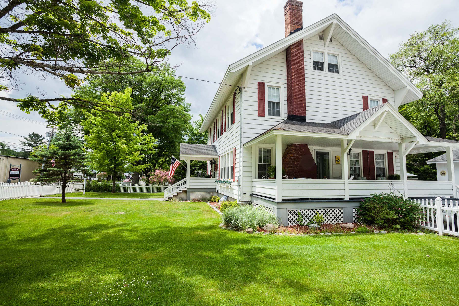 Additional photo for property listing at White House Inn 2945  New York 28 Old Forge, Нью-Йорк 13420 Соединенные Штаты