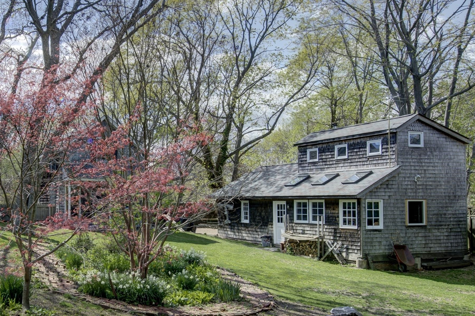 Single Family Home for Sale at 428 Kaplan Ave , Greenport, NY 11944 428 Kaplan Ave Greenport, New York 11944 United States