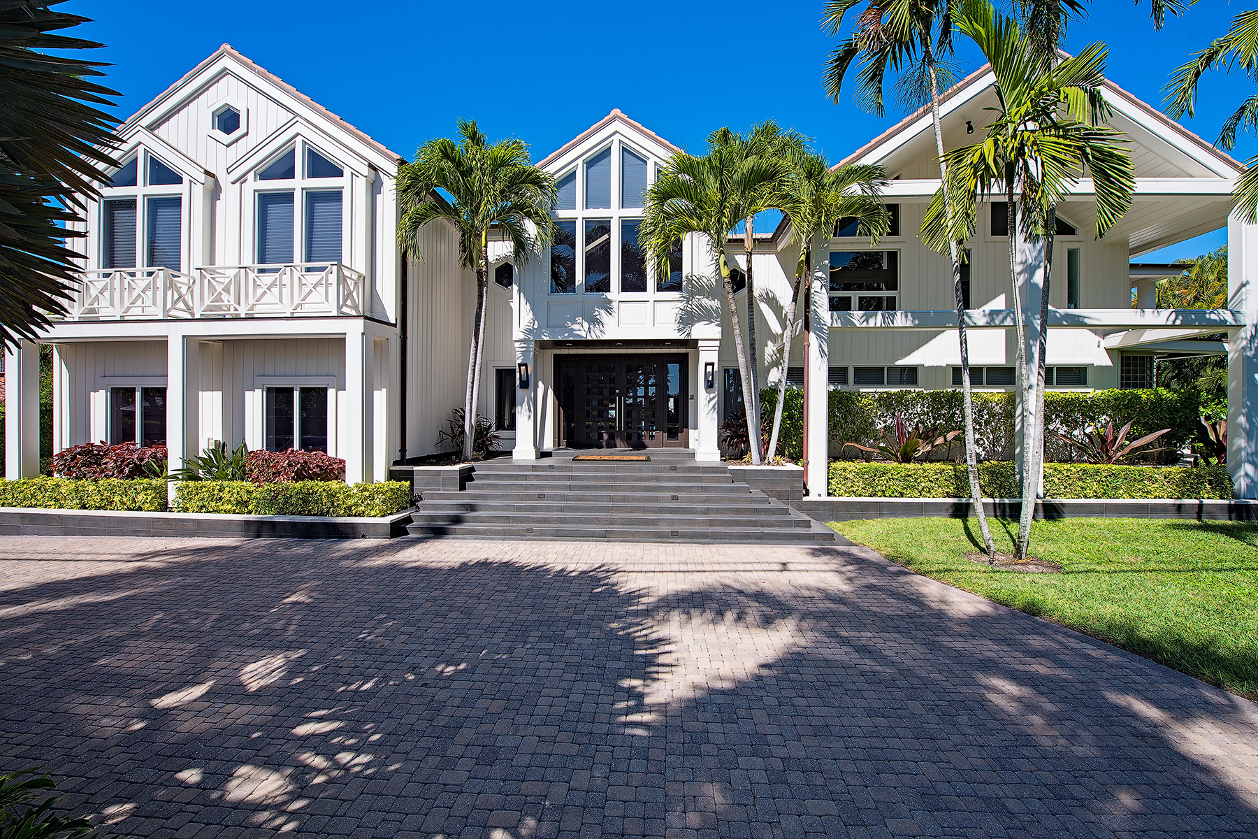 Single Family Home for Sale at PORT ROYAL 711 Galleon Dr Port Royal, Naples, Florida, 34102 United States