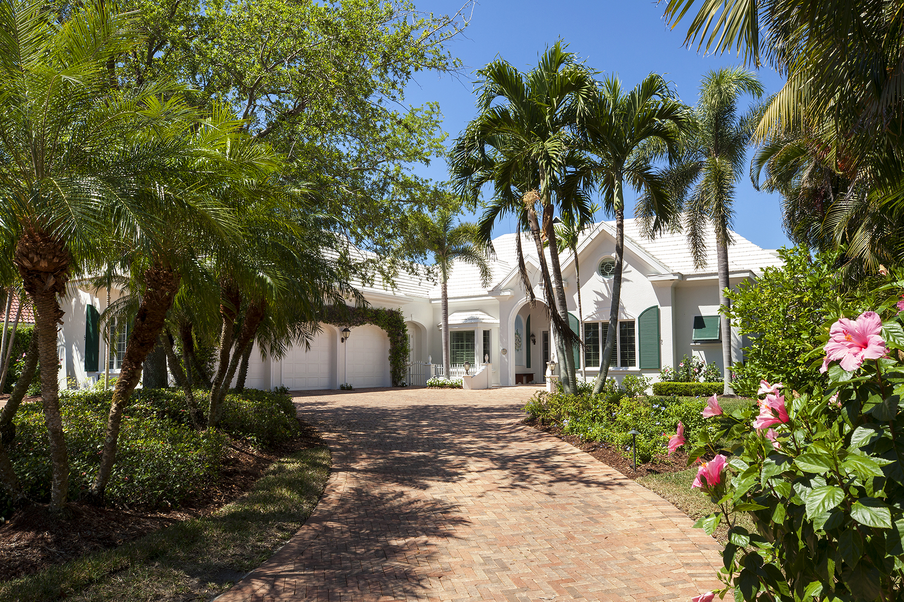 Single Family Home for Sale at PORT ROYAL 1300 Spyglass Ln, Naples, Florida 34102 United States
