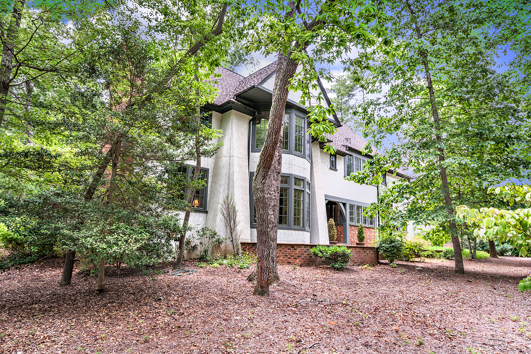Single Family Home for Sale at RAMBLE BILTMORE FOREST 18 Chauncey Cir, Asheville, North Carolina 28803 United States