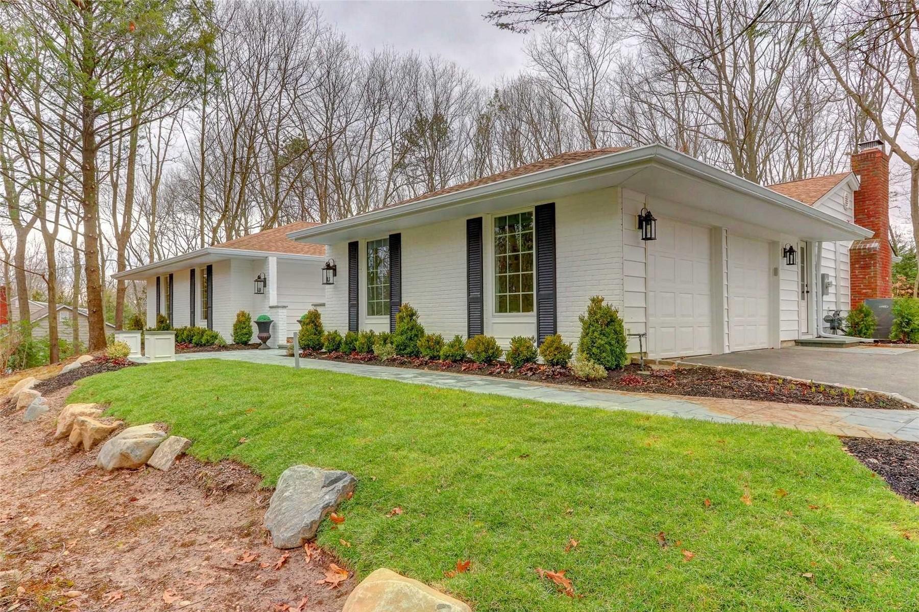 Maison unifamiliale pour l à vendre à 5 Westbourne Ln , Melville, NY 11747 Melville, New York, 11747 États-Unis
