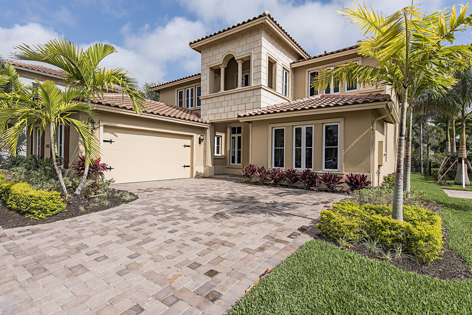 Single Family Home for Sale at Naples 2165 Asti Ct, Naples, Florida 34105 United States