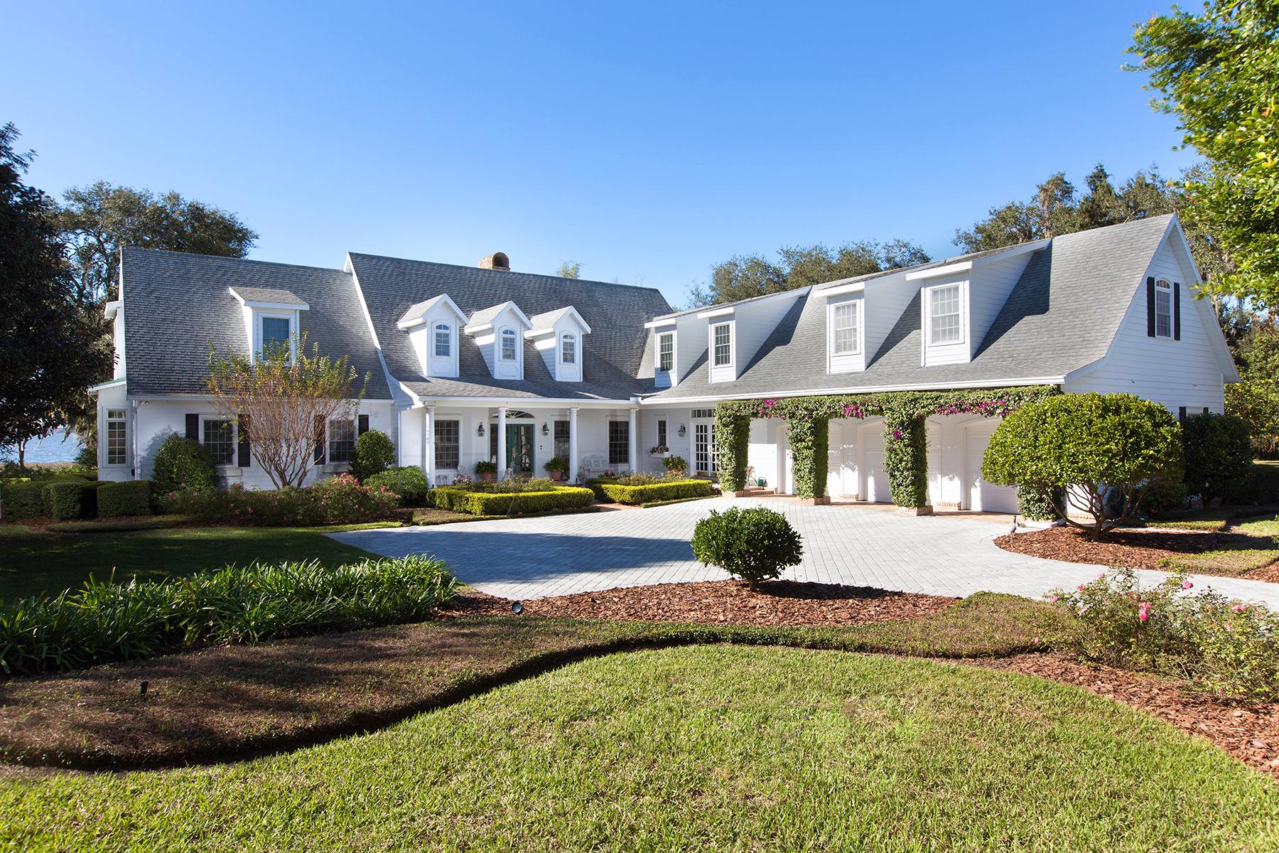 Casa Unifamiliar por un Venta en ORLANDO - TAVARES 1200 Peninsula Dr Tavares, Florida, 32778 Estados Unidos
