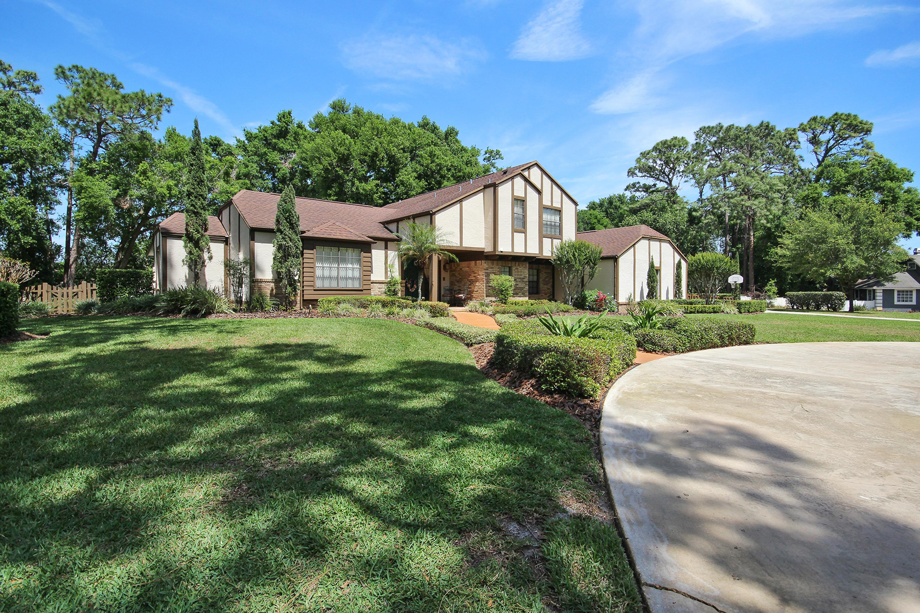 Single Family Home for Sale at ORLANDO - LONGWOOD 46 Stone Gate S Longwood, Florida 32779 United States