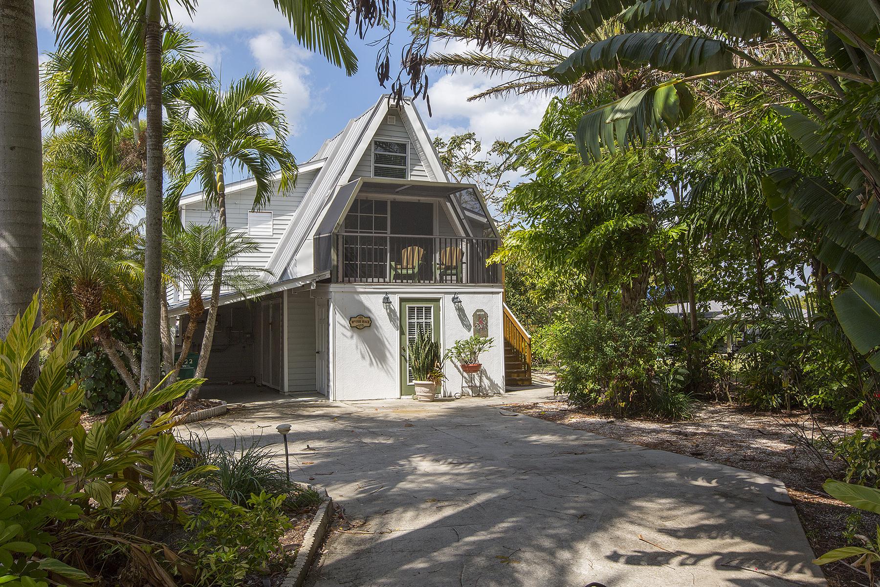 Villa per Vendita alle ore EVERGLADES CITY 422 Riverside Dr Everglades City, Florida, 34139 Stati Uniti
