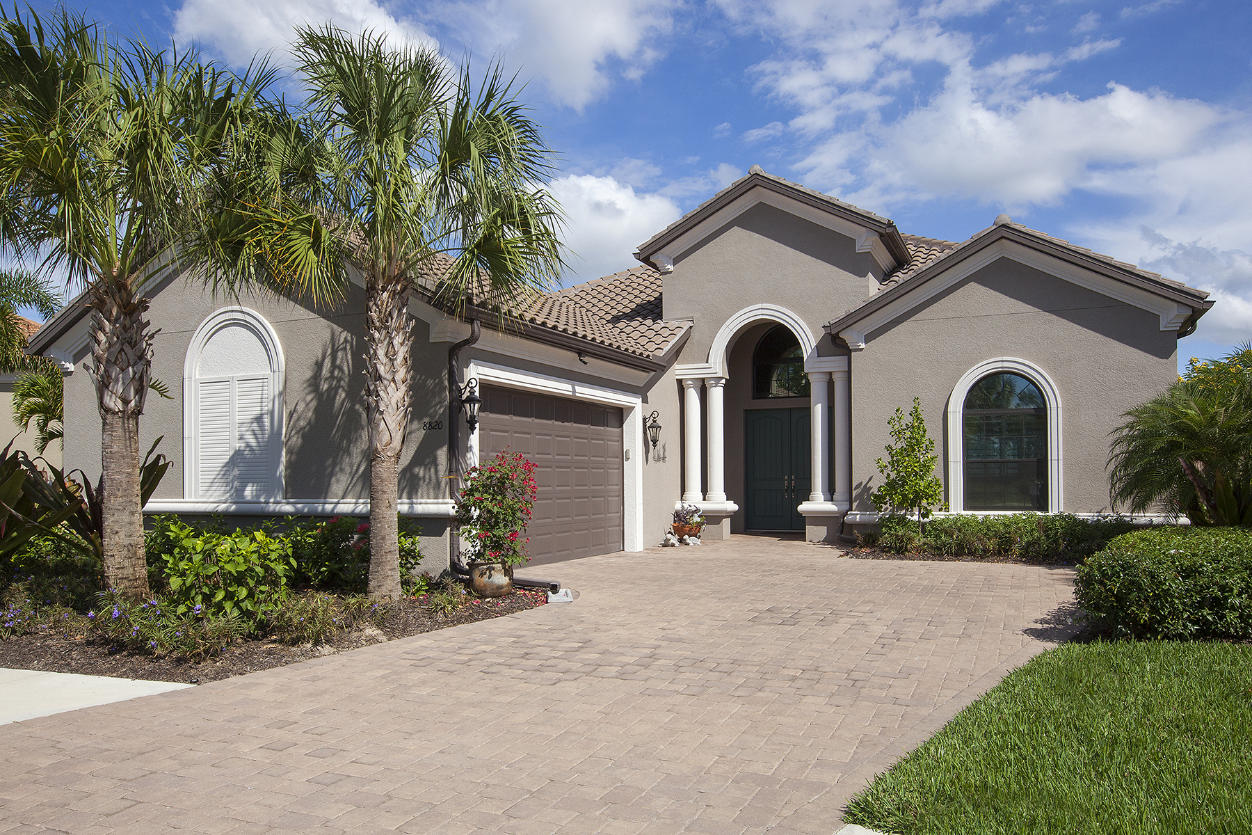 단독 가정 주택 용 매매 에 ESPLANADE 8820 Savona Ct Naples, 플로리다, 34119 미국