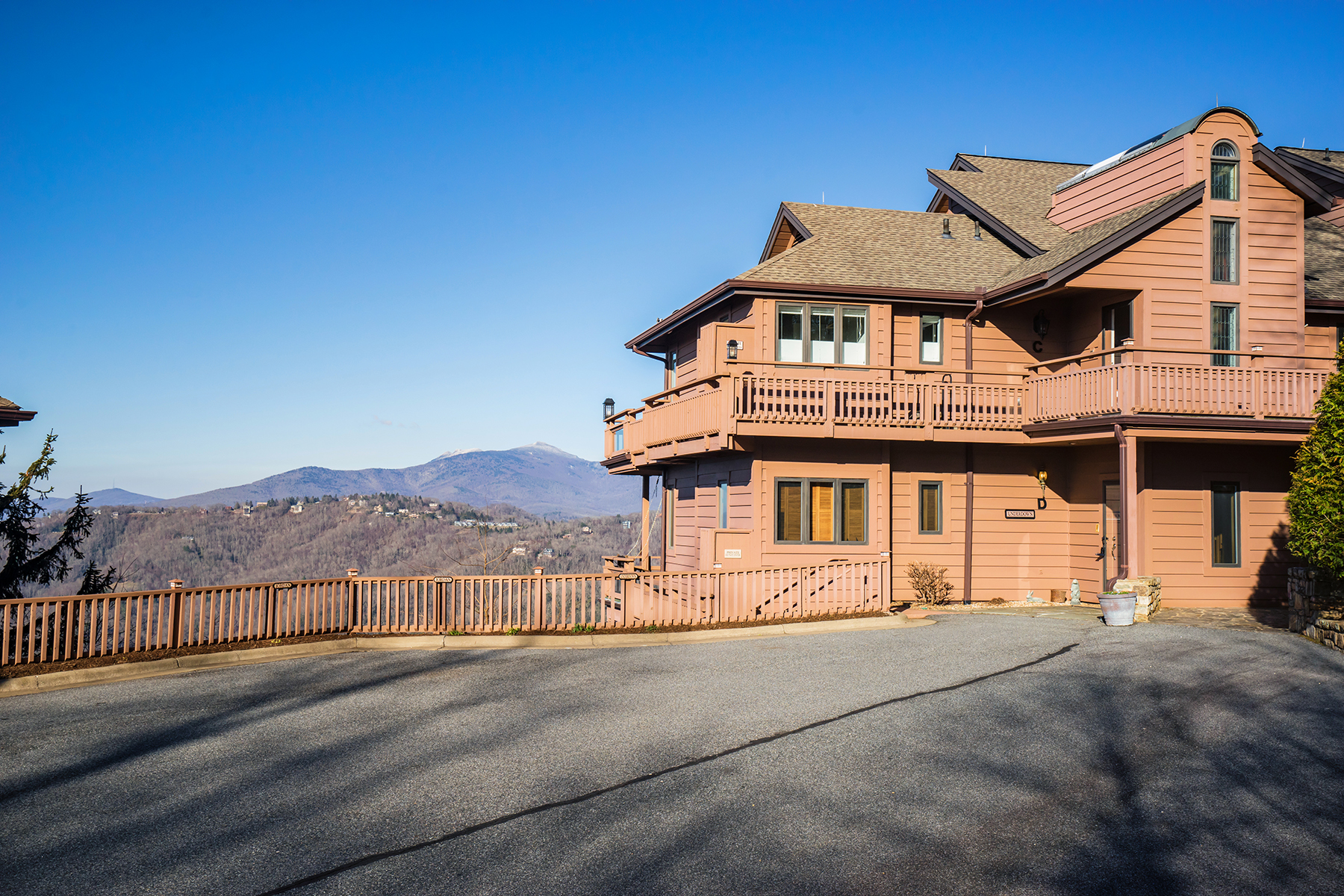 Condominium for Sale at BLOWING ROCK - MAYVIEW MANOR I 1073 Wonderland Trl D, Blowing Rock, North Carolina 28605 United States