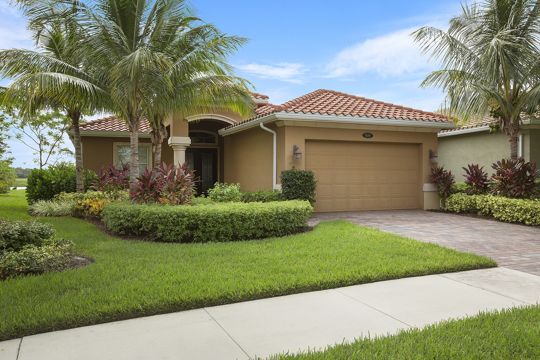 Single Family Home for Sale at 9189 Campanile Cir , Naples, FL 34114 9189 Campanile Cir Naples, Florida, 34114 United States