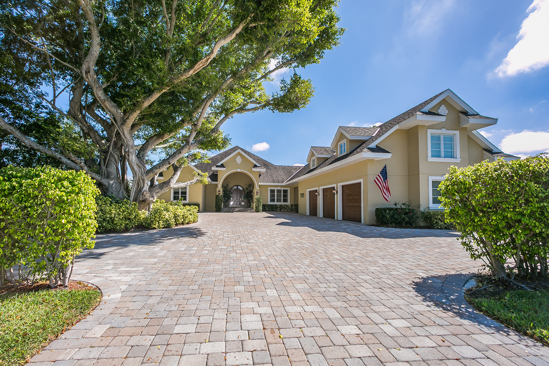 Single Family Home for Sale at GOLF COURSE ESTATES 1175 51st St W Bradenton, Florida, 34209 United States