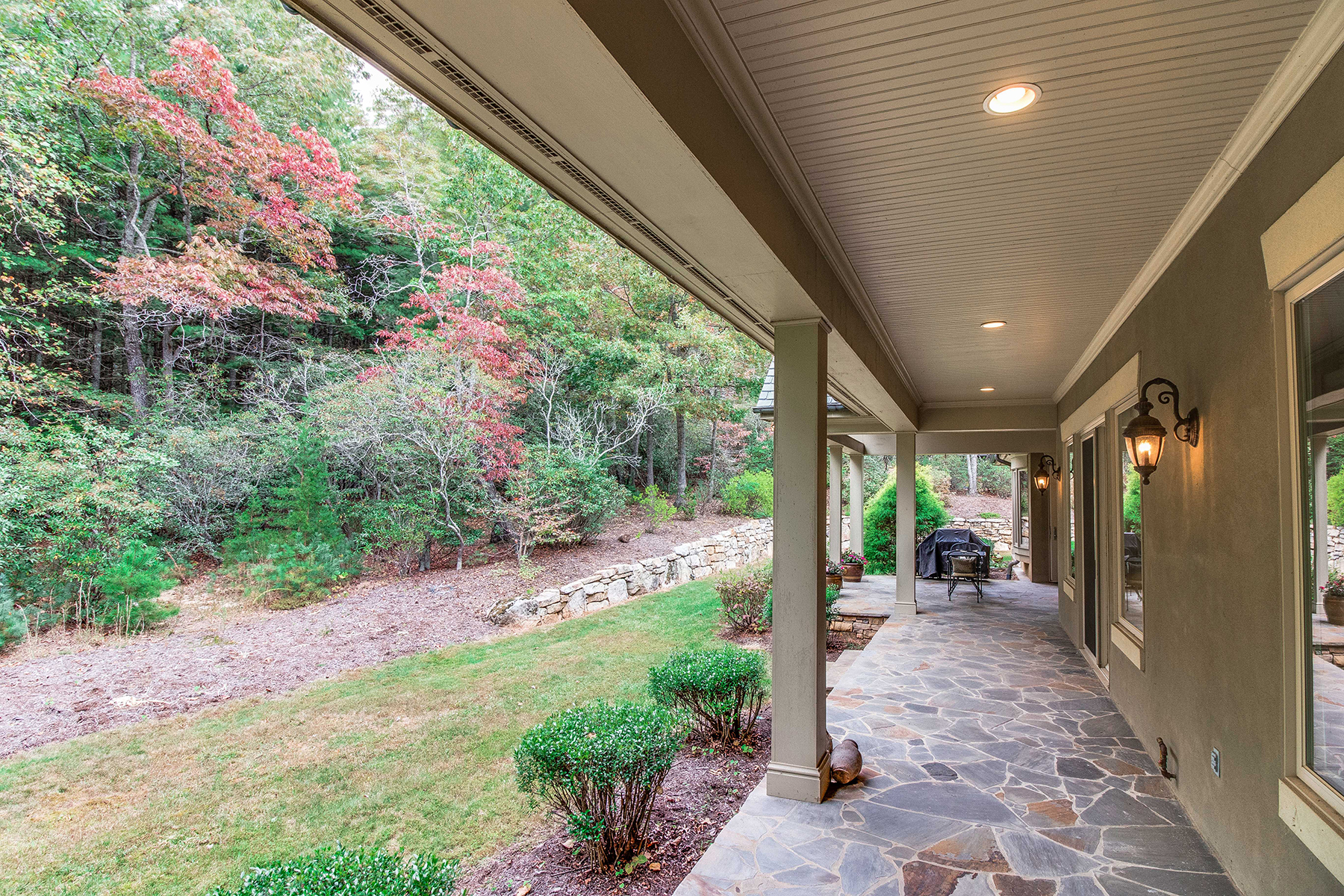 Additional photo for property listing at ONE-LEVEL LIVING INSIDE THE CLIFFS AT WALNUT COVE 1918  White Tree Trl Lot 202,  Arden, North Carolina 28704 United States